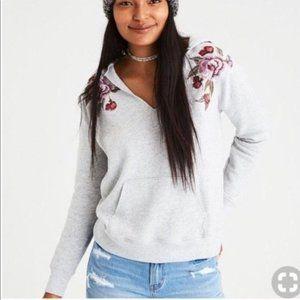 American Eagle Grey Hoodie Roses Medium Spring